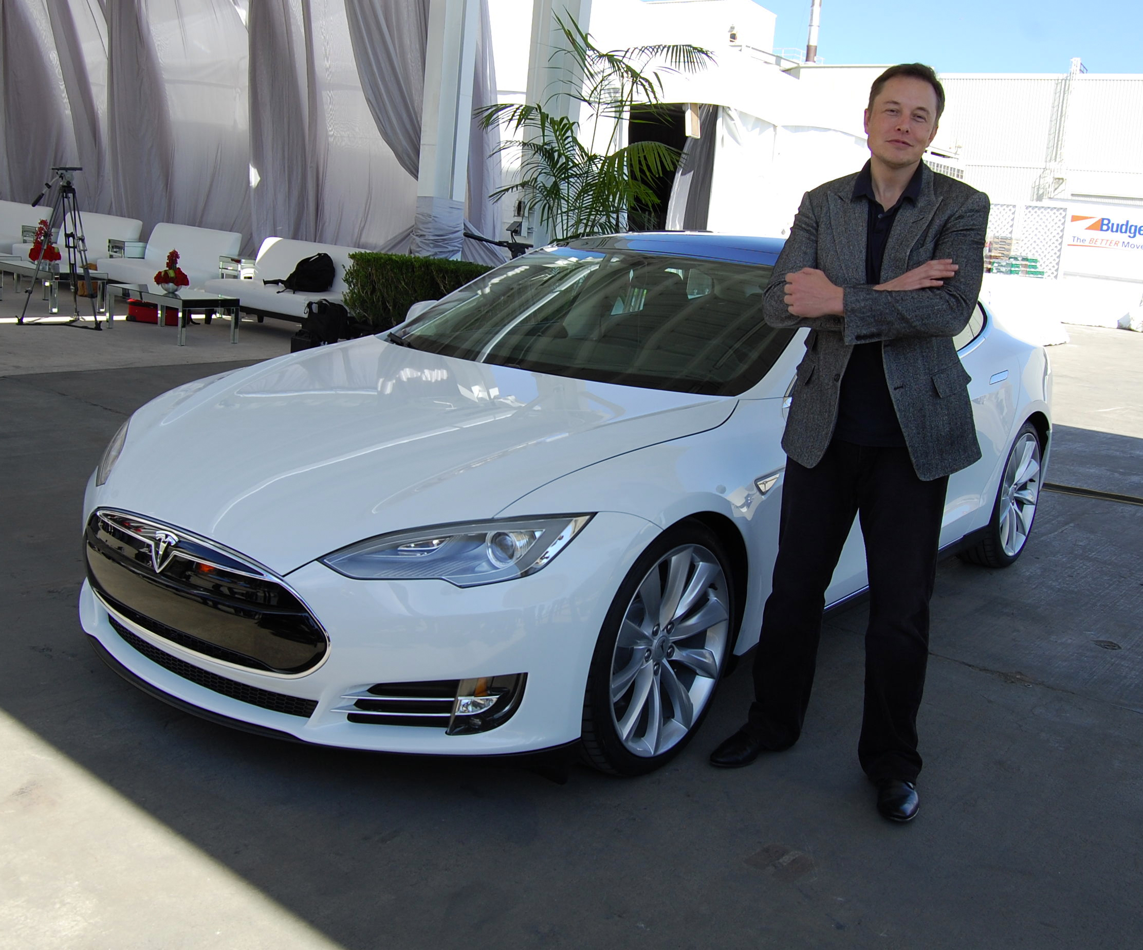 createyourownlives-elon-musk-and-tesla